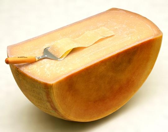 妊娠中にチーズは食べていいの?